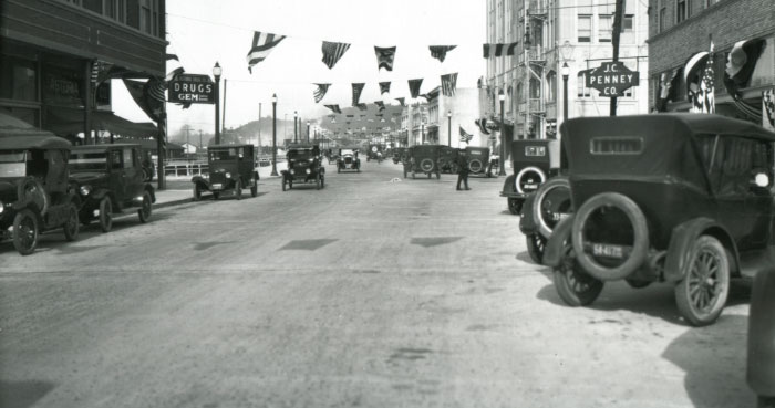 Commercial Street and 14th Avenue, Astoria, 1923.